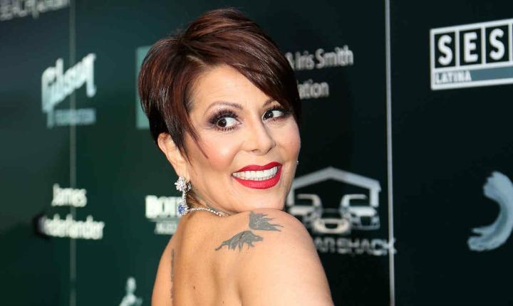 Alejandra Guzmán se deja ver sin una gota de maquillaje