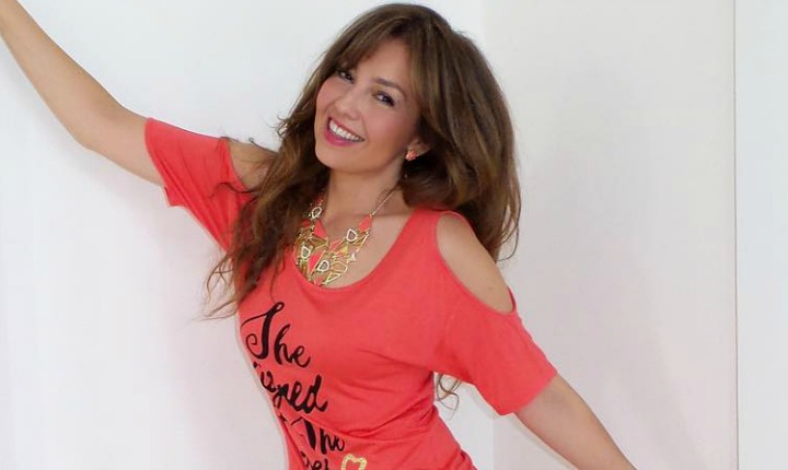 """Thalía compartió en redes sociales un """"candente"""" beso con su esposo"""