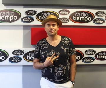 Visita de Santiago Cruz a Radio Tiempo