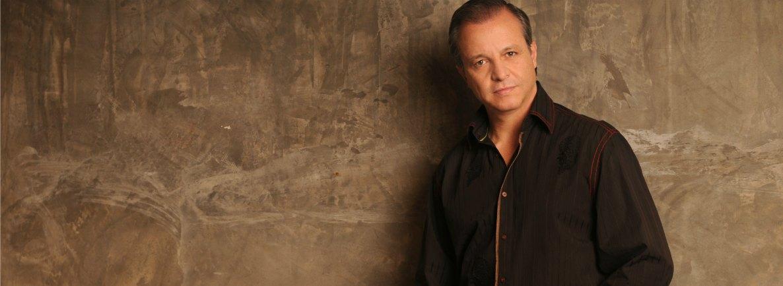 Alberto Plaza 'el cantautor de América Latina'