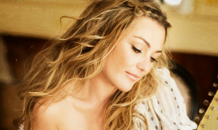 Amaia Montero recibe fuertes críticas tras concierto en España