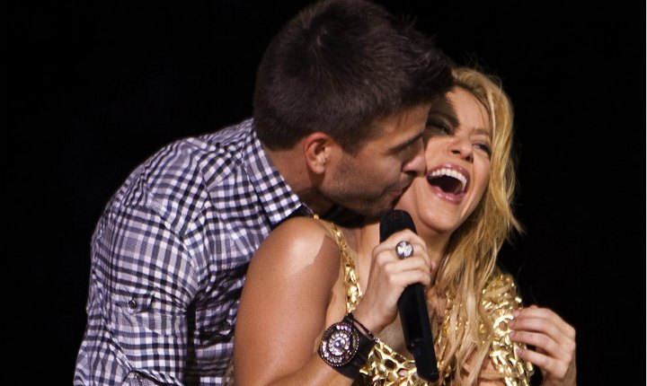 Piqué vuelve a desmentir rumores de ruptura con Shakira