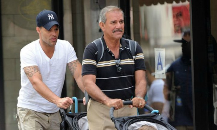Mejora el estado de salud del padre de Ricky Martin
