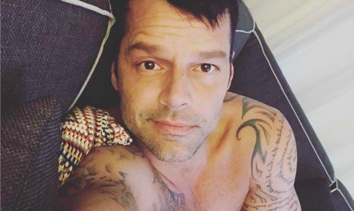 Ricky Martin le responde crítica a viudo de Versace