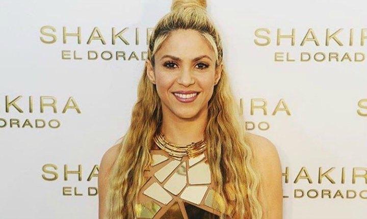 Viralizan antigua portada de Shakira para Rolling Stones