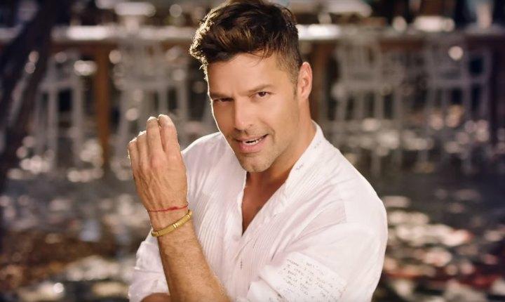 Ricky Martin presenta a su cuarto hijo y enternece las redes