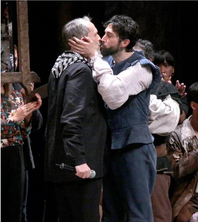 Imagenes De Bose >> Miguel Bosé vuelve a compartir beso con un amigo - Radio Tiempo