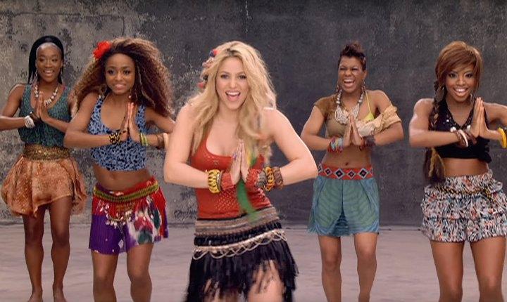 Shakira celebra las 2 mil millones de vistas de 'Waka Waka'