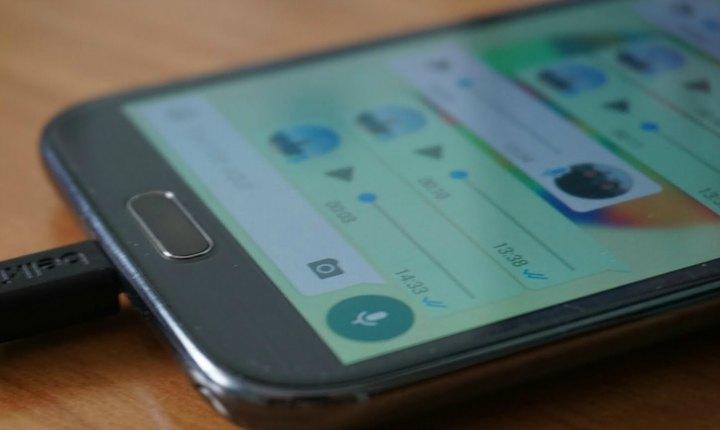 ¿Odias recibir notas de voz por WhatsApp? Te tenemos la solución