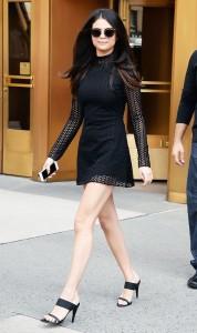 Selena Gomez - Mules
