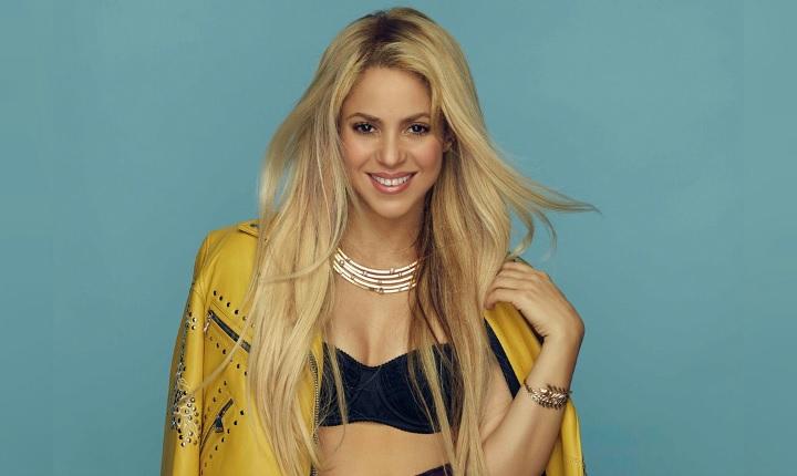 Artista mexicano desempolva foto con Shakira de hace 20 años