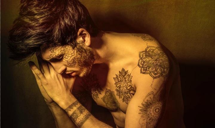 Sebastián Yatra lanza a nivel mundial su primer álbum 'Mantra'