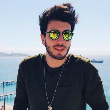 Sebastián Yatra se accidentó en concierto