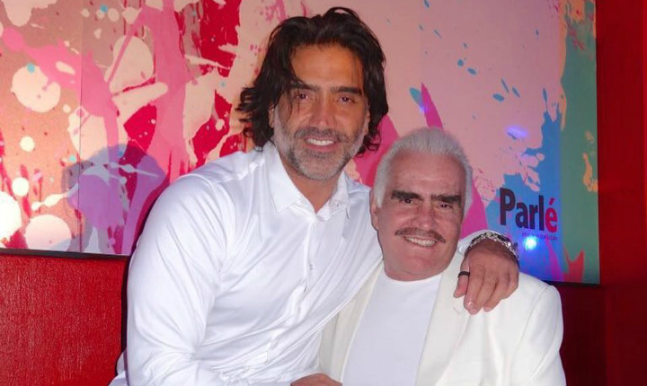 Alejandro Fernández enternece sus redes con fotos de sus padres