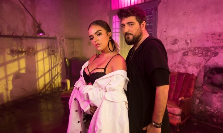 Antonio Orozco regresa con 'Dicen' junto a Karol G
