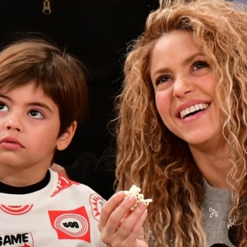 Shakira regresó a Barcelona a celebrar graduación de Milan