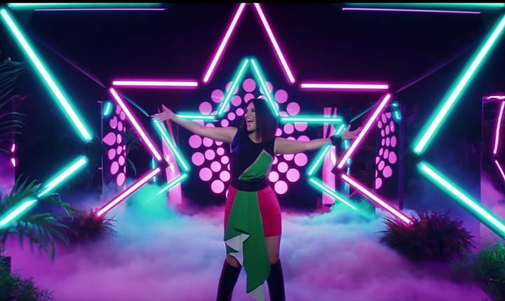 Laura Pausini te pone a bailar con 'Nuevo'