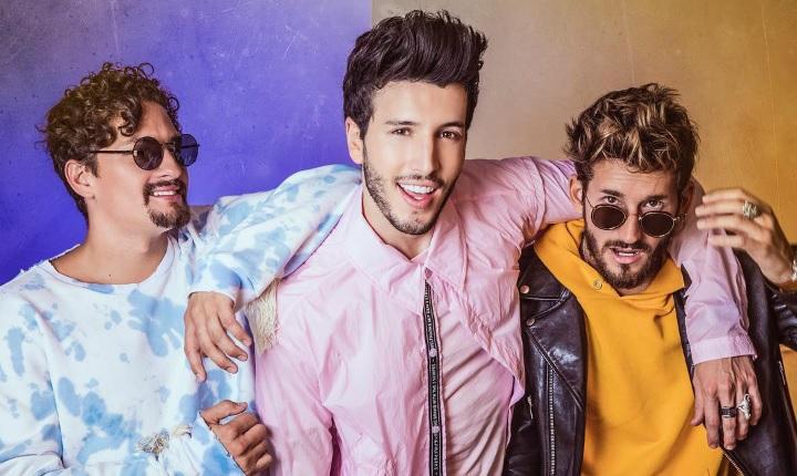 Sebastián Yatra, Mau y Ricky se pelean por una chica en 'Ya No Tiene Novio'