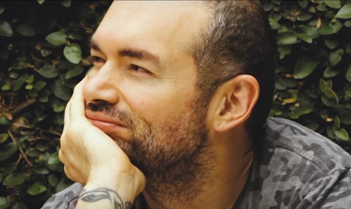 Santiago Cruz estrena 'La Memoria de los sentimientos' junto al grupo Miranda!