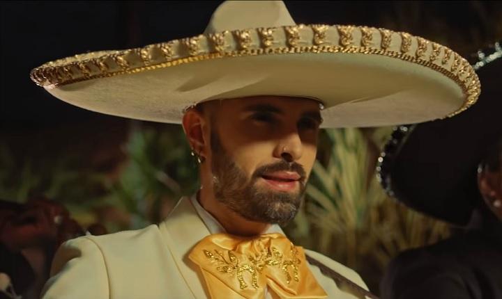 Mike Bahía se despide de un amor con 'Serenata'