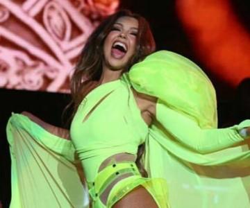 Thalía vuelve a ser viral, ahora por quedarse sin playback