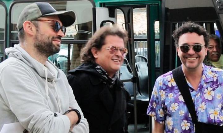 Carlos Vives, Andrés Cepeda y Santiago Cruz sorprenden a venezolana