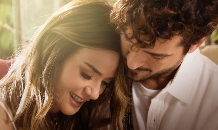 Kany García y Tommy Torres le cantan al amor en 'Quédate'