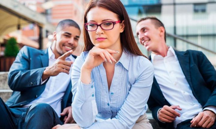 ¿Cómo lidiar con las conductas sexistas en el trabajo?