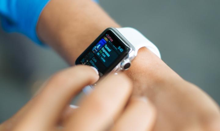 ¡No tires el dinero! Te explicamos lo que debe tener tu smartwatch