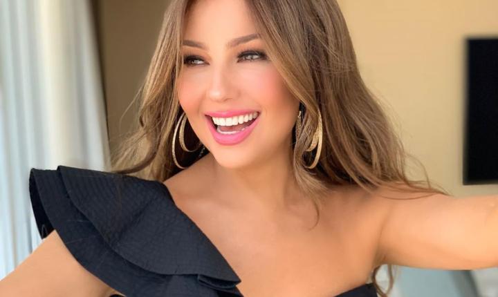 """Thalía hace parodia de video viral con antigua """"enemiga"""""""