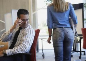 tienes-la-regla-las-actitudes-machistas-que-sufren-las-mujeres-en-el-trabajo