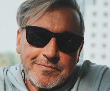 """Ricardo Montaner """"casó"""" a fans en firma de autógrafos"""