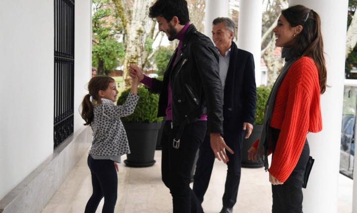 Sebastián Yatra cumple el sueño a hija del Presidente de Argentina