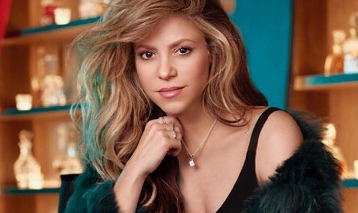 Críticas a Shakira por bailar en grupo sin tapabocas