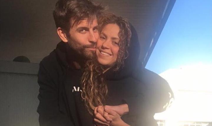 Shakira y Piqué se muestran enamorados durante vacaciones