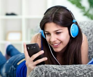 ¡Elige a la ganadora de un nuevo Smartphone Radio Tiempo!