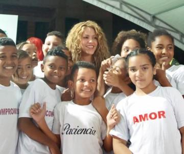 Shakira destaca a joven barranquillera que irá a la NASA