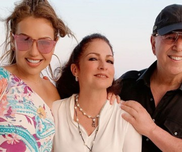 Thalía y Gloria Estefan se divierten en una tarde de playa