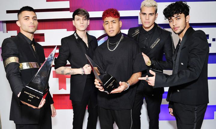 Artistas Radio Tiempo ganadores en los Latin AMA's