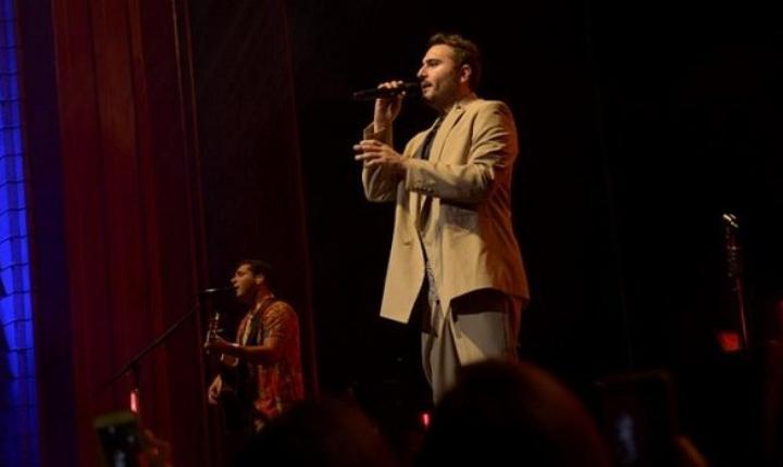 Reik rindió homenaje a José José en concierto
