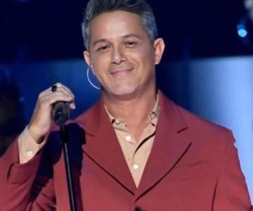 Alejandro Sanz oficializa su nueva relación en los Grammy Latinos