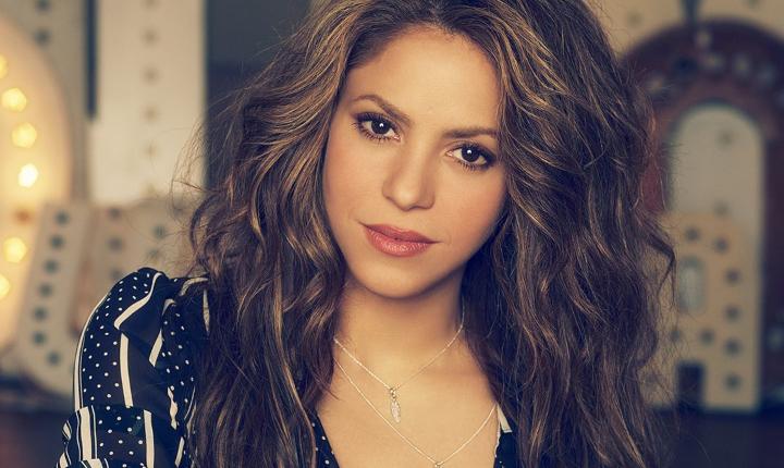 Shakira deja ver su rostro al natural y sus fans están fascinados