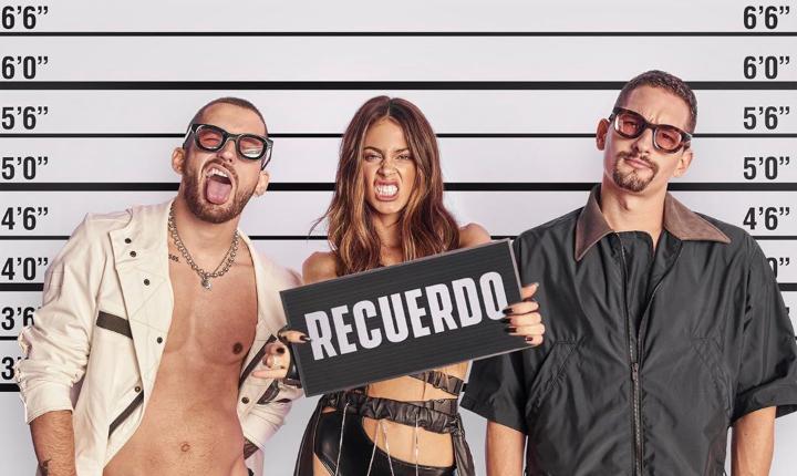 Tini derrocha sensualidad junto a Mau y Ricky en 'Recuerdo'