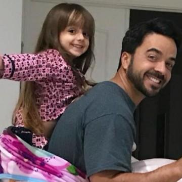 Luis Fonsi tiene una cita con su hija y enternece las redes