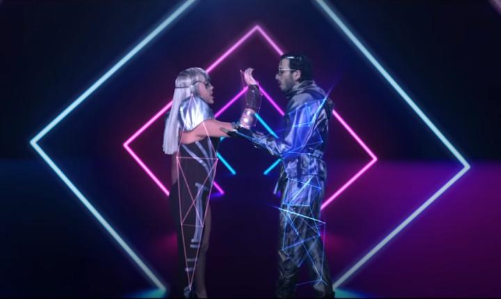 Danna Paola y Sebastián Yatra estrenan video de 'No Bailes Sola'