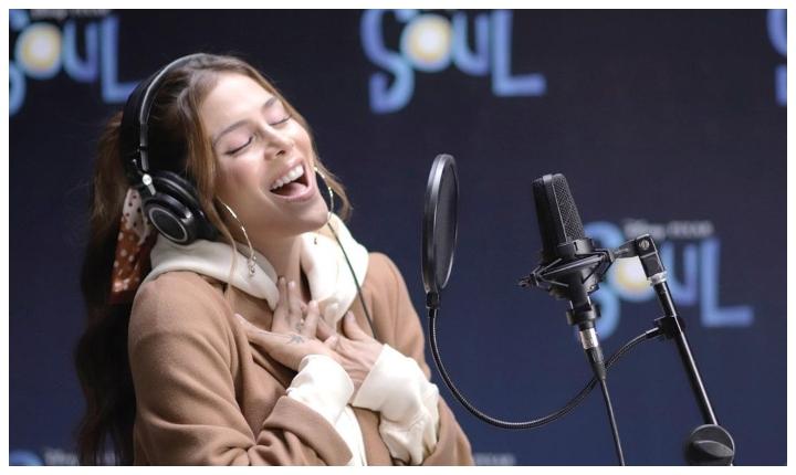 Greeicy interpretó 'Así es la vida', tema de la película animada Soul