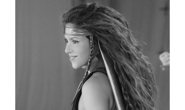 Shakira dio un avance de su próximo video «Girl like me»